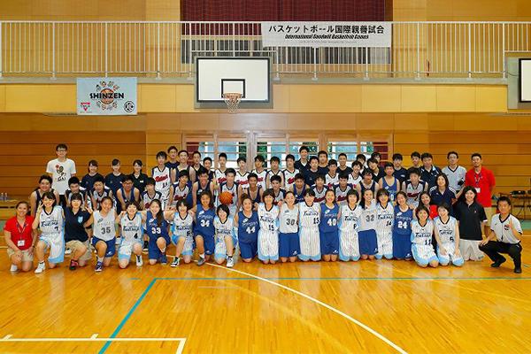 バスケットボール部が日系アメリカ人高校生と国際親善試合を行いました